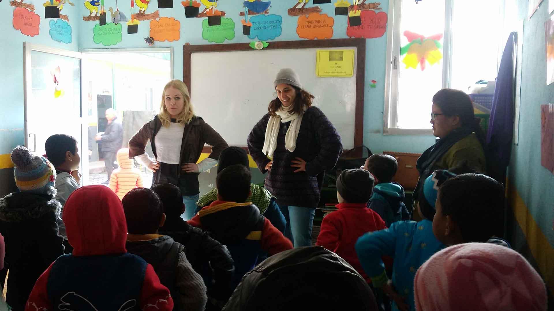 teaching volunteering nepal teach